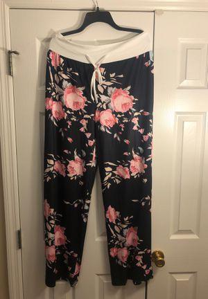 Women's pants for Sale in Fayetteville, NC