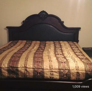 King Size Bed Frame for Sale in Lafayette, LA