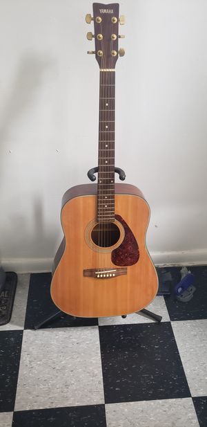 Yamaha acoustic guitar for Sale in Brooklyn, NY