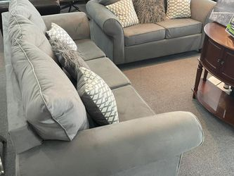 """Sofa & Loveseat Gray Fabric Elegance With Pillows """" Big Sale for Sale in Lilburn,  GA"""