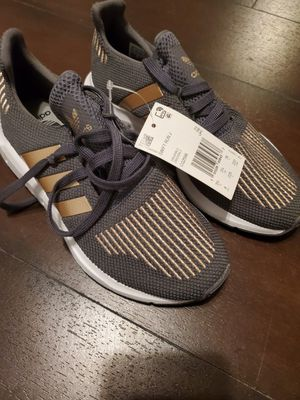 Adidas size 4 (Brand new) for Sale in Pasadena, TX