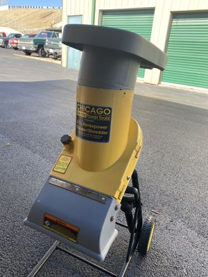 CHICAGO 2.5 HP Electric Chipper/Shredder for Sale in Northfield, IL