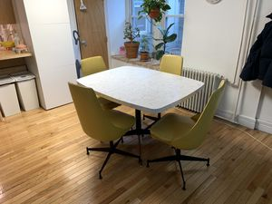 Walter of Wabash dining table set with chairs for Sale in Brooklyn, NY