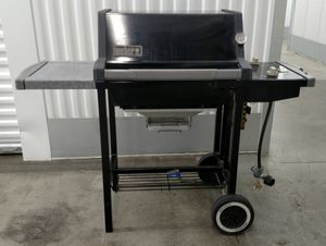Weber Genesis Silver-A Liquid Propane Gas Grill for Sale in Pittsburgh, PA
