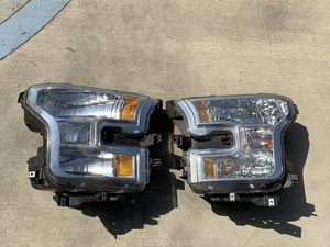 2015-2017 Ford F-150 Passenger & Driver Headlight for Sale in Jurupa Valley, CA