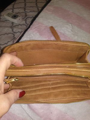 Large Tan leather wallet/wristlet for Sale in Manitou Springs, CO