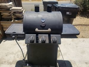 Bbq grill char-Broil 4 burners for Sale in Perris, CA