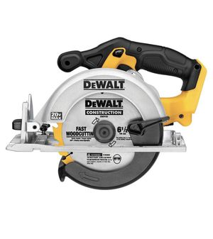 DEWALT 20-Volt 6-1/2 in. MAX Lithium-Ion Cordless Circular Saw (Tool-Only) for Sale in Miami, FL