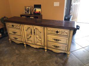 3 Piece Dresser and Nightstand bedroom set for Sale in Gilbert, AZ