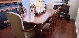 DINING TABLE SET for Sale in Moorpark, CA
