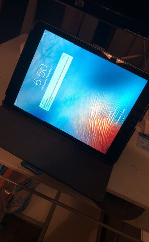iPad 2017 A1823 AT&T 5th Gen for Sale in Los Angeles, CA