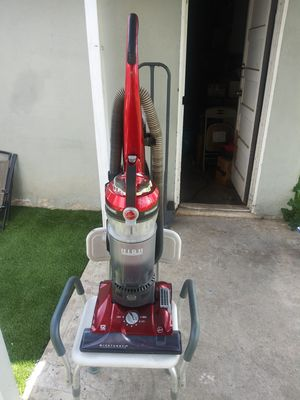 Brand new Hoover 3 Channel high performance vacuum for Sale in Moreno Valley, CA