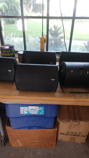 5 Klipsch c650tbk speakers. Barely used. With mounting brackets for Sale in Valrico, FL