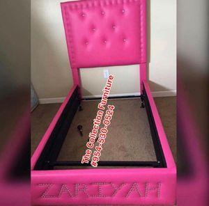 Pink girl bed frame sofi for Sale in Plantation, FL