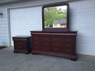 Dresser with Mirror and Nightstand  for Sale in Duluth, GA