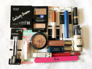 $20 Makeup Bundle 3 - Almay, Maybelline, Covergirl, Revlon for Sale in Pittsburgh, PA