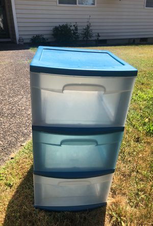 3 drawer plastic for Sale in Gladstone, OR