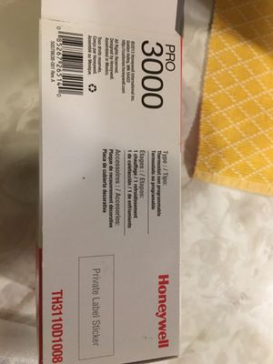 Brand new digital thermostat Honeywell 3000 for Sale in Avon, OH