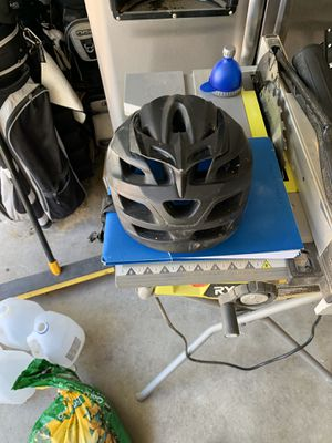 Fox mtn bike helmet. for Sale in Virginia Beach, VA