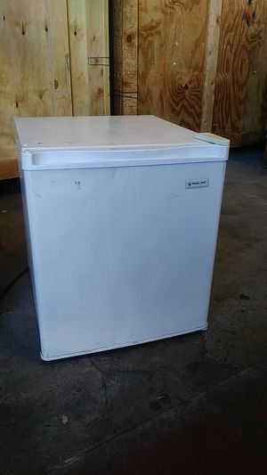 Mini fridge for Sale in Orange, CA