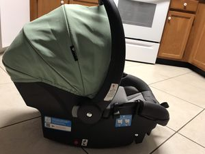 Safety 1st infant car seat with 2 bases for Sale in Baltimore, MD