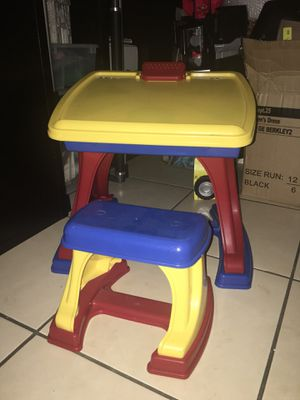 Toddler Desk and Easel with Chair - Made in the USA for Sale in Orlando, FL