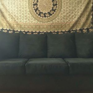Elegant Cozy Couch (FREE DELIVERY) for Sale in Happy Valley, OR