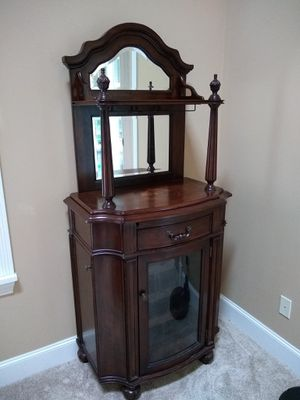 Wine bar cabinet for Sale in Maple Valley, WA