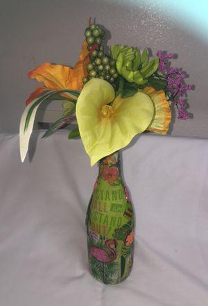 Pretty handmade tropical flower vase. for Sale in Las Vegas, NV
