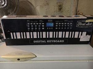 Digital keyboard for Sale in Riverside, CA