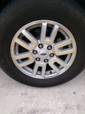 Expedition wheels tires 6 lug for Sale in Frostproof, FL