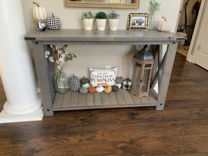 Entry/Console table for Sale in Auburn, WA