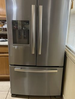 Whirlpool French Door Refrigerator for Sale in Converse,  TX