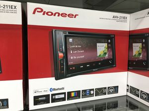 Pioneer avh-211ex double din stereo radio cd dvd Bluetooth for Sale in Los Angeles, CA