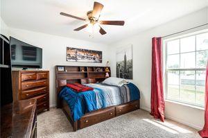 Full wood trundle bedroom set for Sale in Davenport, FL