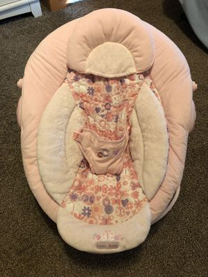 Baby girl bouncer seat for Sale in Fort McDowell, AZ