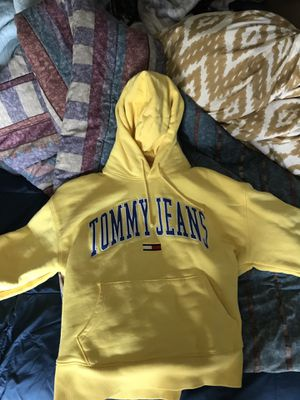 Tommy Hilfiger Yellow Hoodie L for Sale in Tacoma, WA