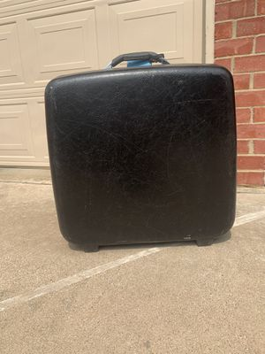 Large Samsonite suitcase for Sale in Plano, TX