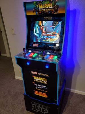 Marvel Arcade machine with 2500 games for Sale in Peoria, AZ