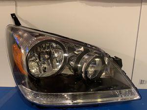 2005-2007 Honda Odyssey Headlight W/ Bolts for Sale in South Gate, CA