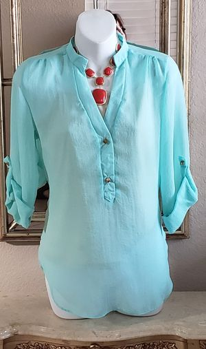 Windsor Brand Junior's blouse size Small. for Sale in Fontana, CA
