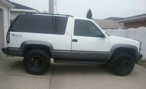 1996 Chevy Tahoe 5.7 sport for Sale in Chicago, IL