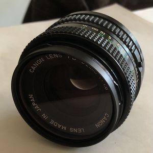 CANON FD 50mm 1: 1.8 CAMERA LENS WITH CASE for Sale in Murfreesboro, TN
