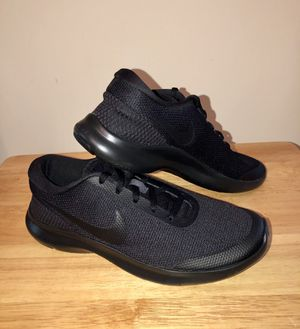New Nike Shoes for women's size 8 1/2 black color for Sale in Stone Mountain, GA