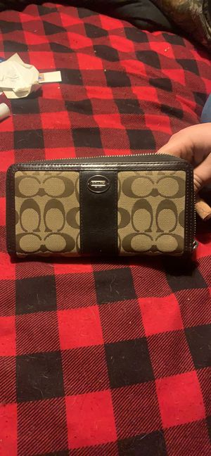 Coach wallet for Sale in Brentwood, MD