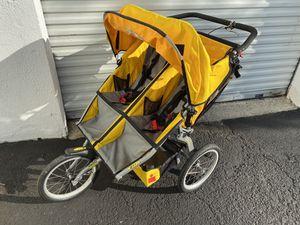 Double jogging stroller for Sale in Wyckoff, NJ