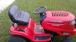 20 horsepower Troy-Bilt Bronco riding lawn mower for Sale in Holiday, FL