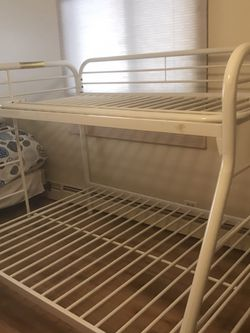 Bunk Bed White Metal for Sale in Bartlett,  IL