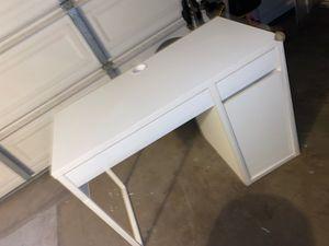 Desk for Sale in Pomona, CA