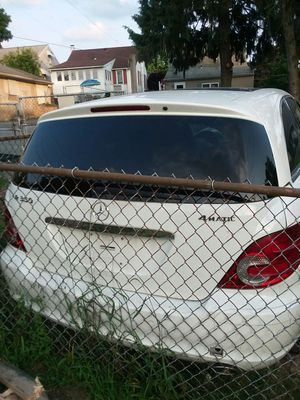 R350 MERCEDES for Sale in Allentown, PA